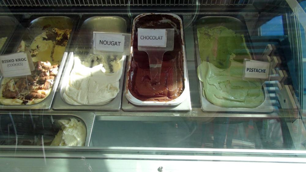 Quelques unes des 12 glaces et sorbets proposés (Il y en a beaucoup plus en saison)