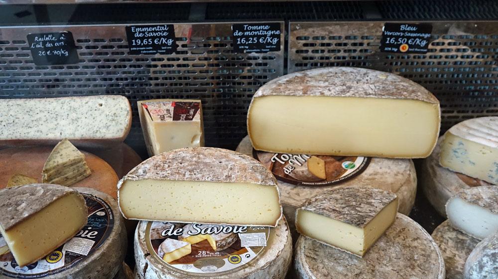 Raclette à l'ail des ours, Emmental de Savoie, Tomme de Montagne, Bleu Vercors-Sassenage ...