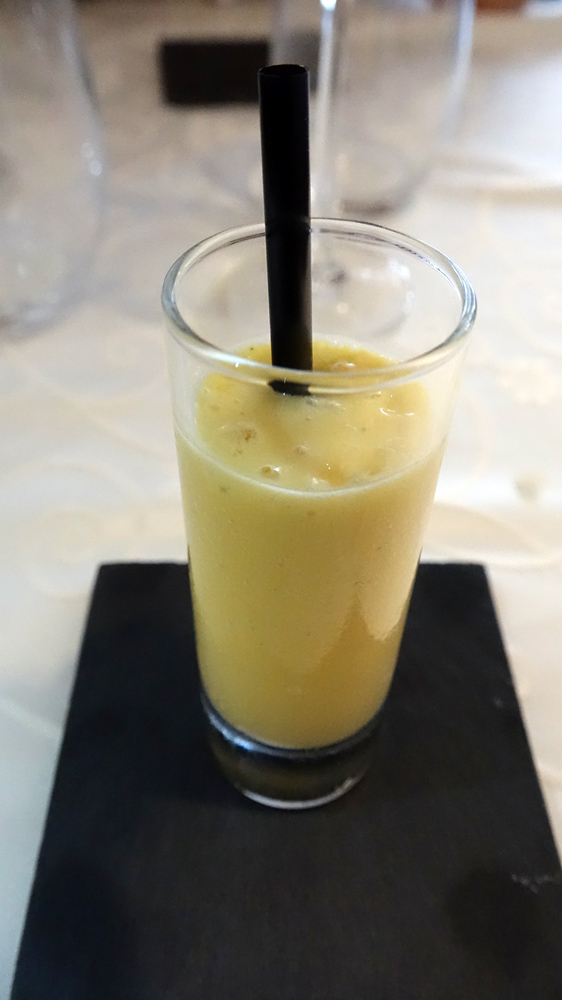 Smoothie mangue, orange et menthe