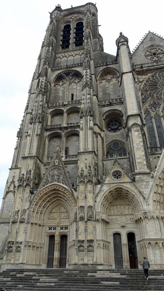 La Tour de Beurre et ses portails Saint-Guillaume et de la Vierge, tous deux du 16ème siècle