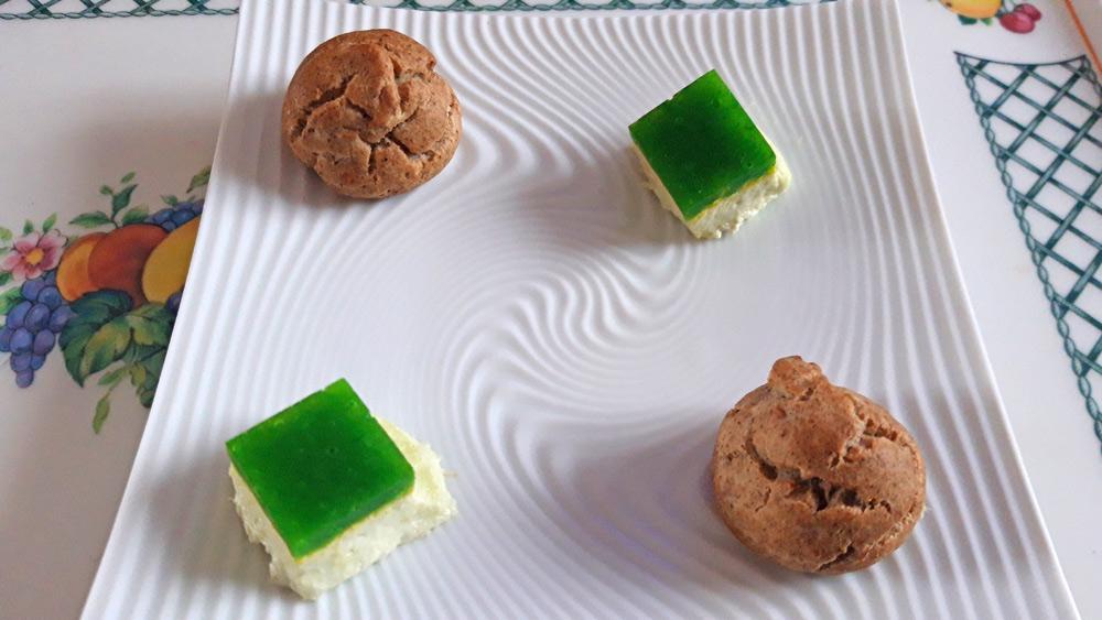 Amuse-bouche : Gougère sarrasin et Blanc-manger flétan fumé/pomme