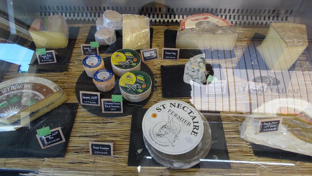 Autres fromages, dont le Camembert de Normandie AOP de la Ferme du Champ Secret