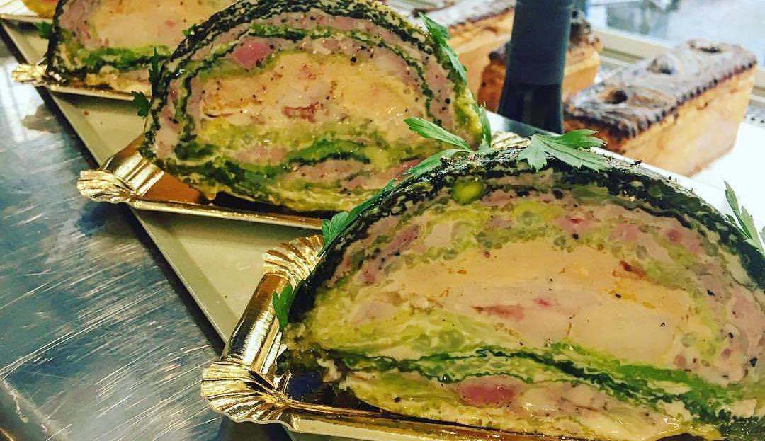 Chou farci cochon, canard, foie gras, ris de veau et truffe