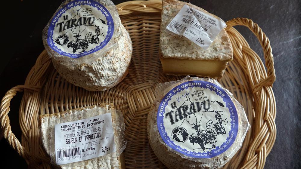 Deux des fromages achetés, mis sous-vide et ramenés à Chailles