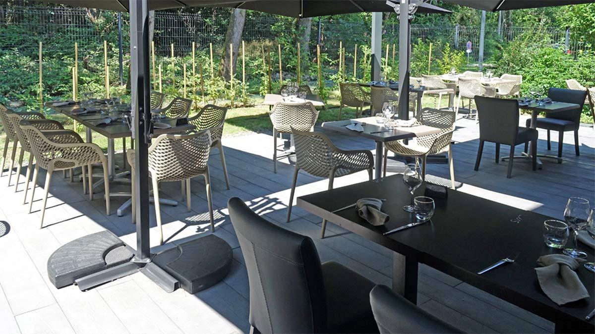 Aux beaux jours, terrasse ouverte