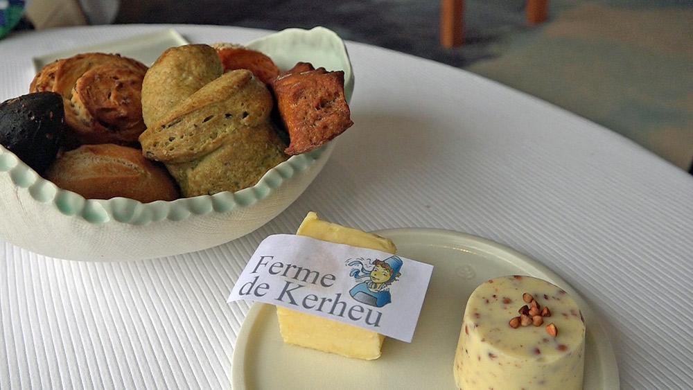 Les pains maisons et les beurres