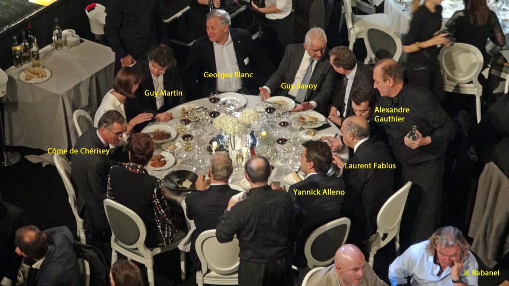 """Une belle brochette à la table """"officielle"""""""