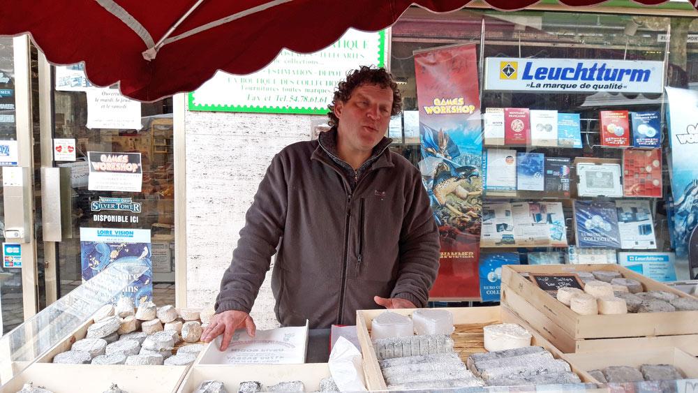 David Bodin sur le marché du samedi matin à Blois le 16 février 2020