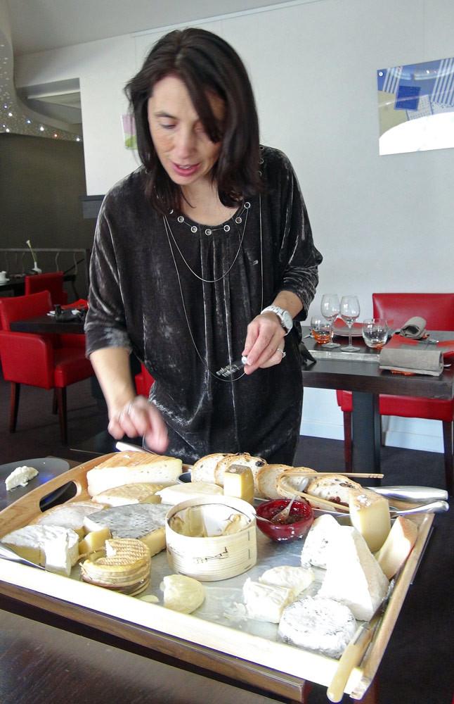 Solange au service des fromages