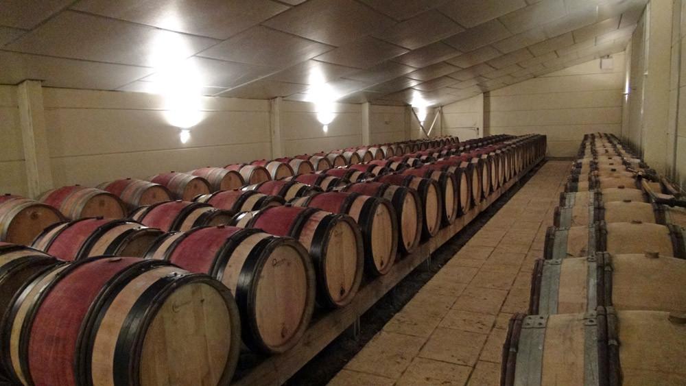 Les tonneaux pour l'élevage de certains vins rouges