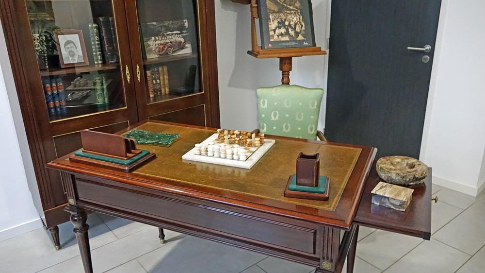 Le bureau du père de Thierry Drapeau