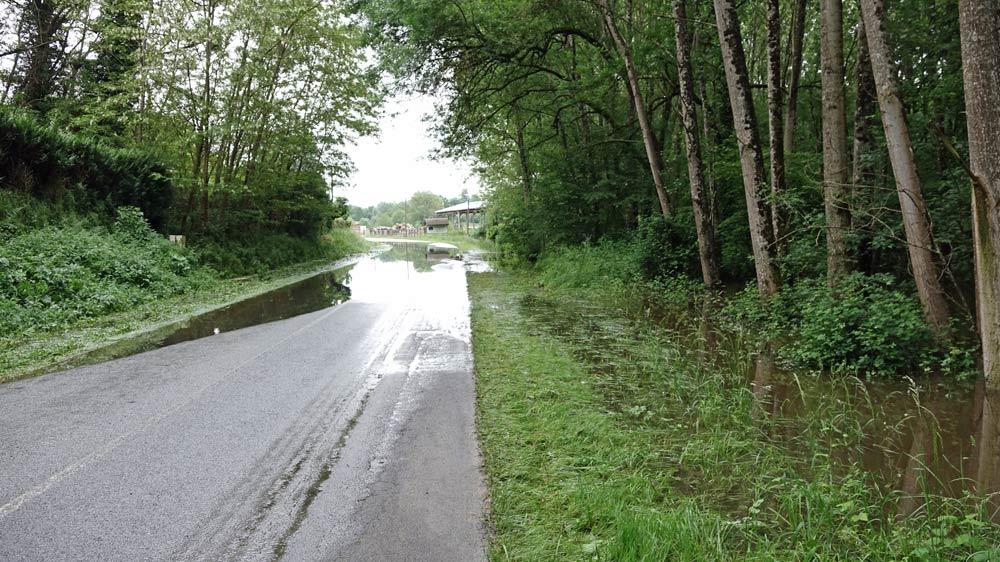 Route coupée après l'Auberge de la Caillère
