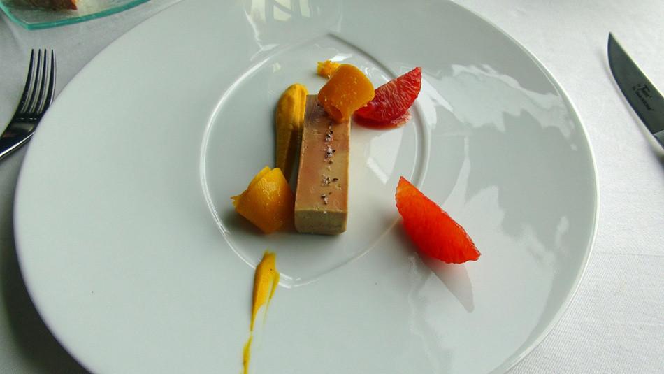 Douceur et acidité avec le potimarron vert et l'orange sanguine, pour un foie gras de canard froid des Landes.
