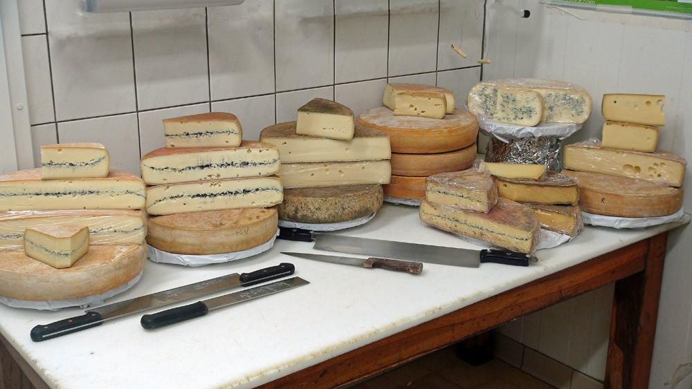 Comté, Morbier, Tomme, Raclette, Bleu de Gex...
