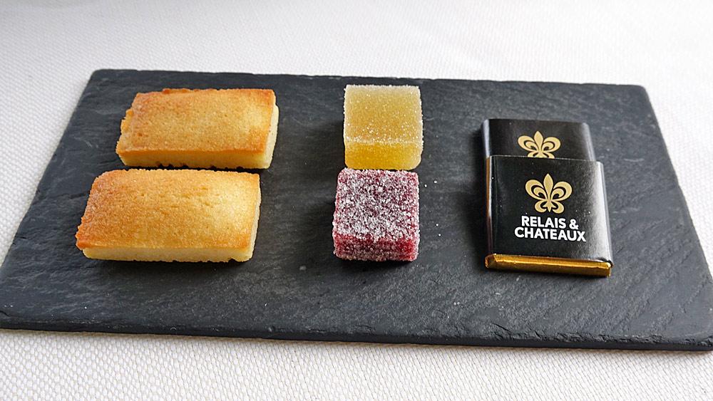 Mignardises : Financier - Pâte de fruit - Carré de chocolat R&C