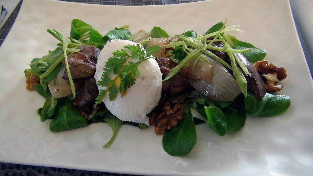 Saladine de foies de foie de volailles, œuf poché