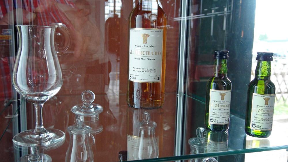 Le Whisky limousin (en bouteille de 70 cl et en miniature de 5 cl)