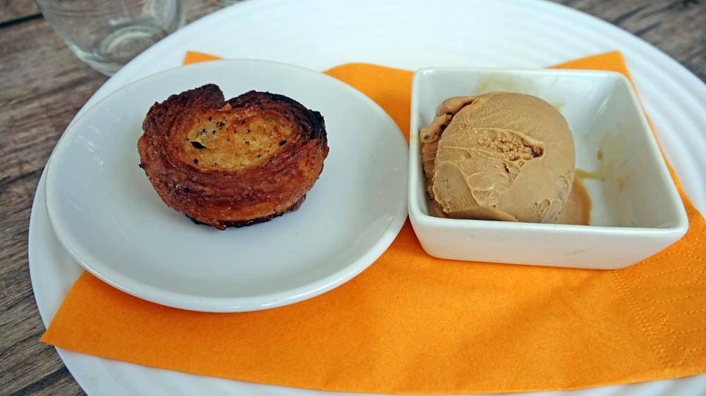 Mini Kouign-Aman et glace au caramel au beurre salé