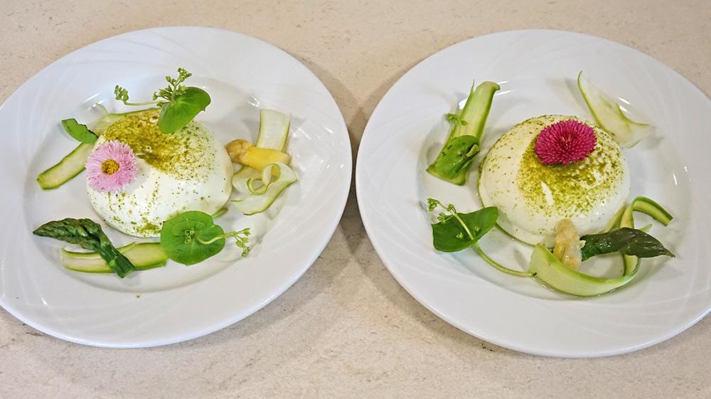 Blanc-manger d'asperges vertes et blanches de la Drôme, bourgeon de sapin, cœur coulant oseille et capucine
