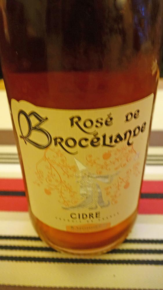 Bouteille de Cidre rosé de Brocéliande offerte par Baptiste Denieul