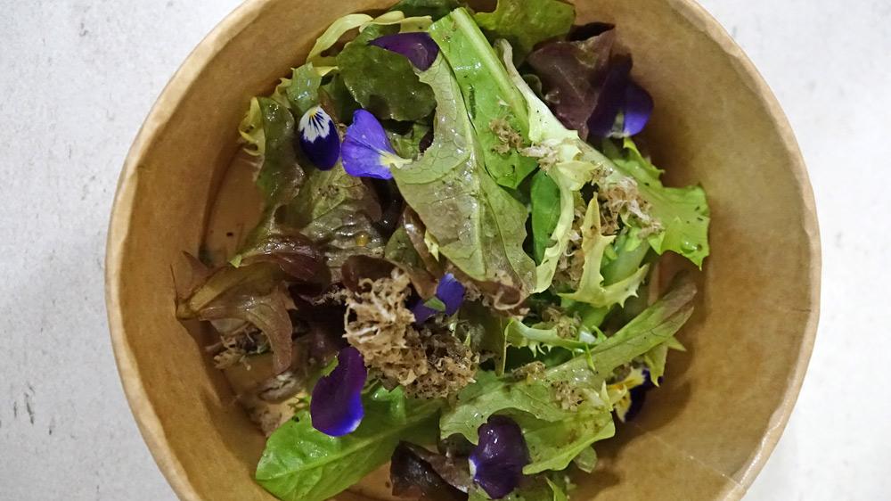 La salade d'accompagnement de l'Oreiller de la Belle-Aurore