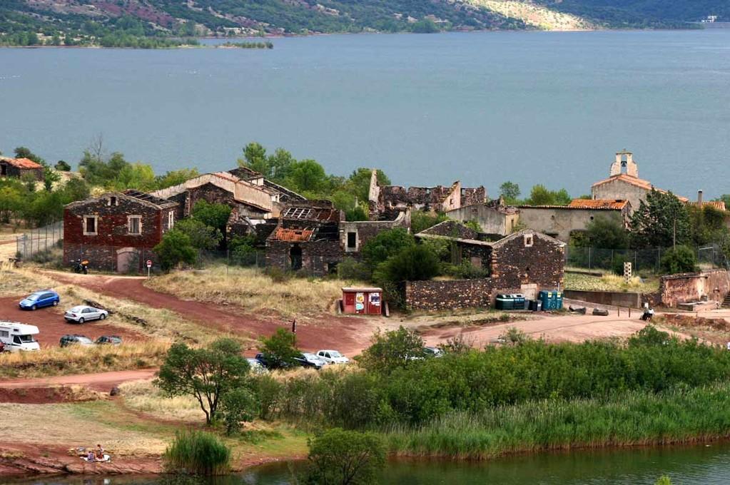 Le village abandonné de Celles