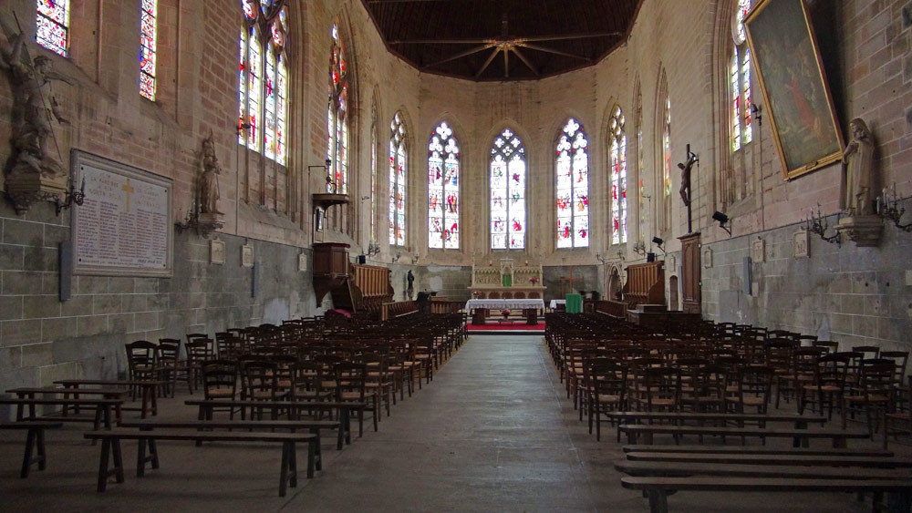 L'intérieur de l'église de Massay, ancienne abbatiale Saint-Martin