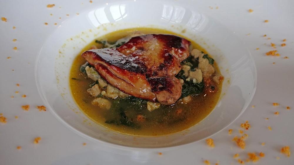 Ragoût d'anguilles de Loire, foie gras poêlé de la Ferme de la Faubonnière