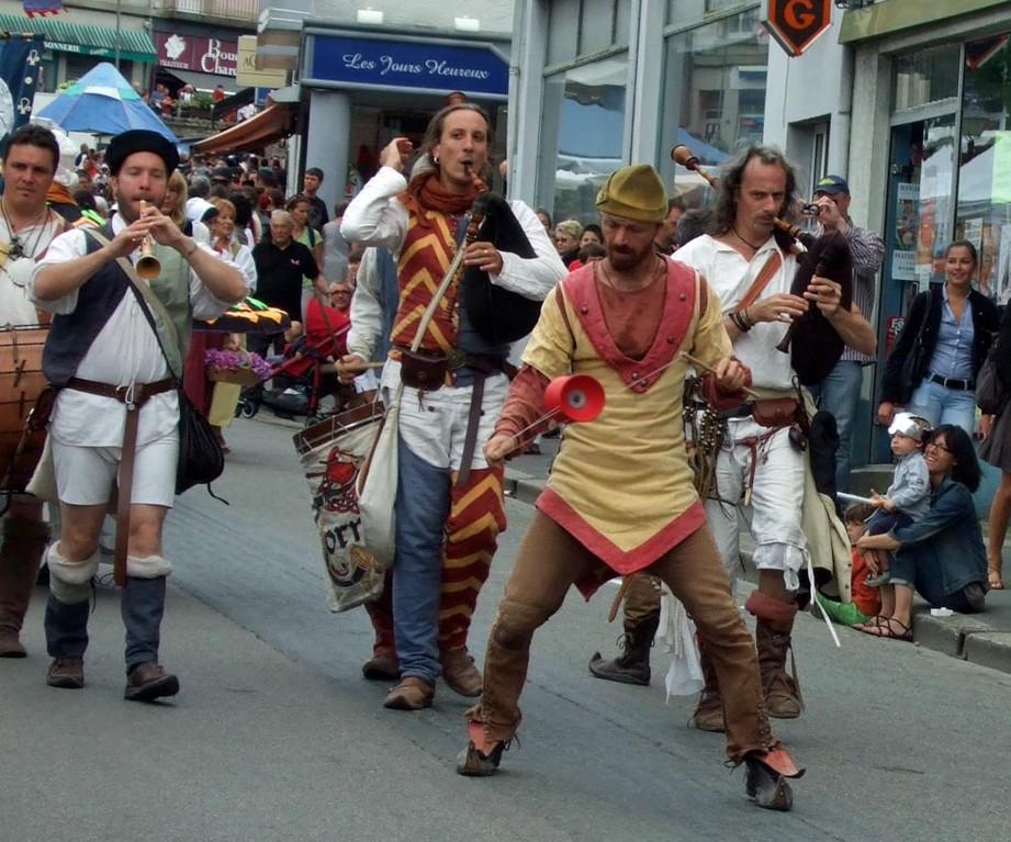 Défilé rue Trottier - Leis Tornal - 28/07/12