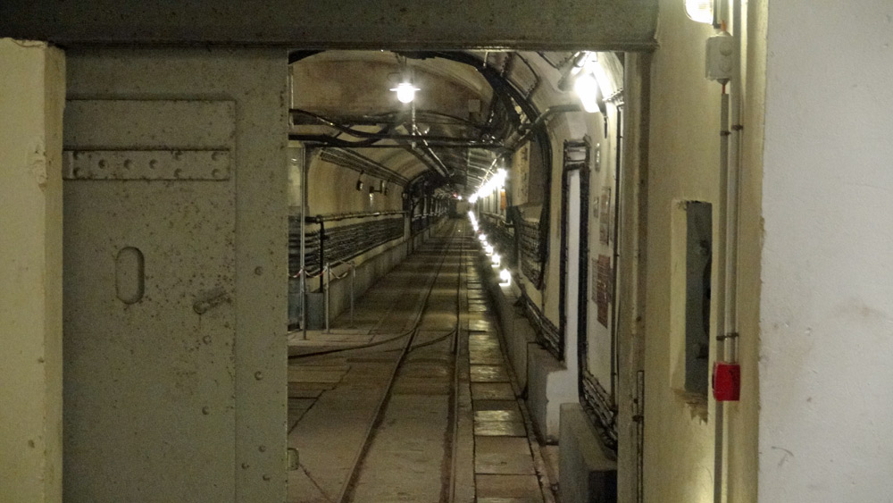 Un des tunnels de circulation souterraine  interne