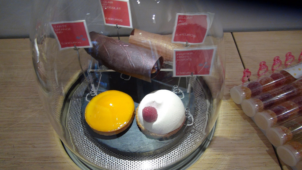 Tarte orange - Éclair chocolat - Éclair café - Fruitier fruits rouges (individuels)