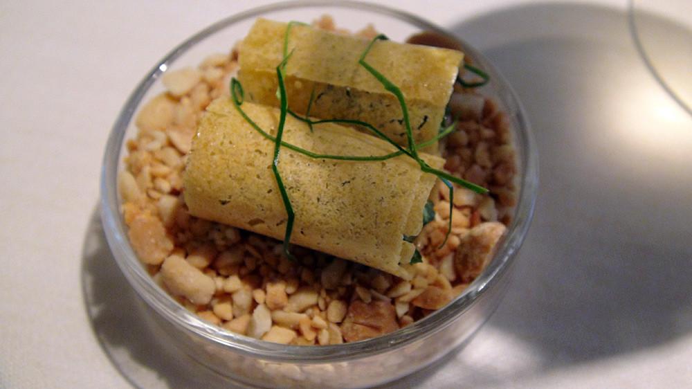 Croustillants parfumés aux herbes aromatiques et pâte de citron (accompagnant les asperges)