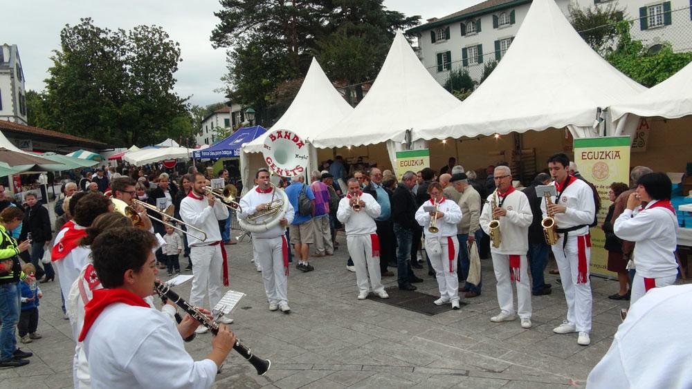 """Pas de fête au Pays-Basque sans """"banda"""" !"""