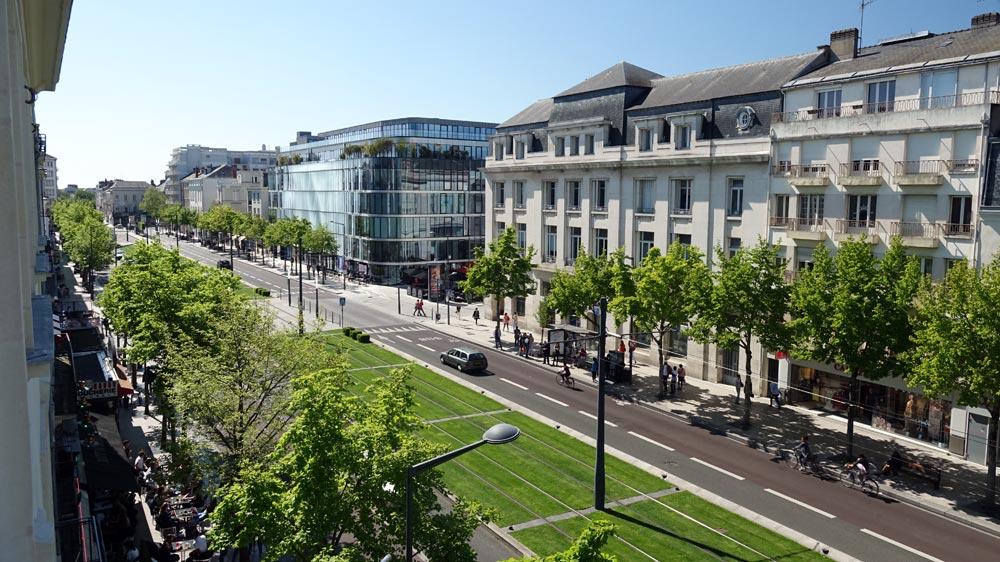 La vue sur la gauche sur le boulevard du Maréchal Foch
