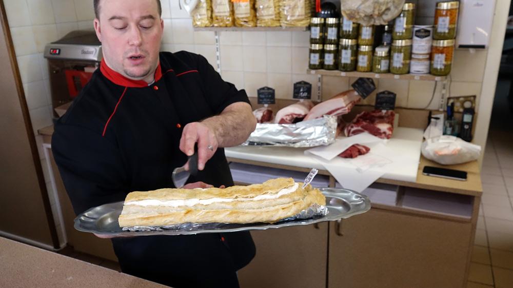 Christophe Colasseau propose une part de son pâté creusois (à la pomme de terre)