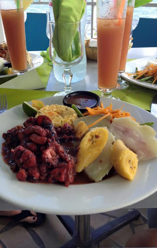 Pause à  Gosier : Chatrou, banane plantain et racine