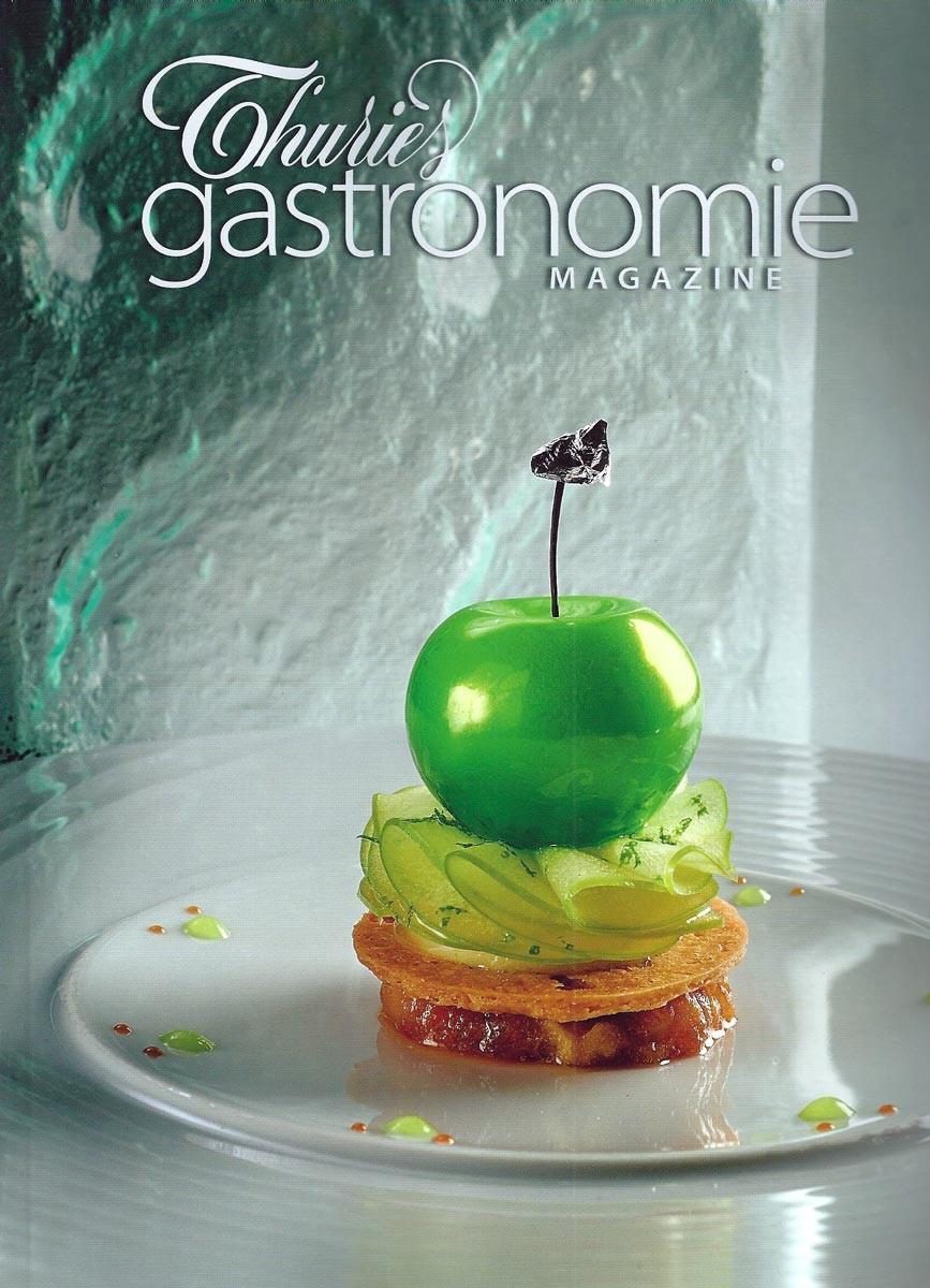 Pomme granny smith confite, émulsion et sorbet pomme verte - Crédit photo : Thuries gastronomie magazine N° 263 d'octobre 2014
