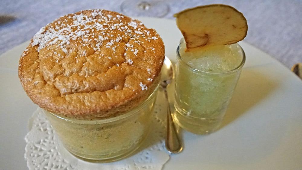 Soufflé chaud à la truffe et granité pomme/verte Calvados