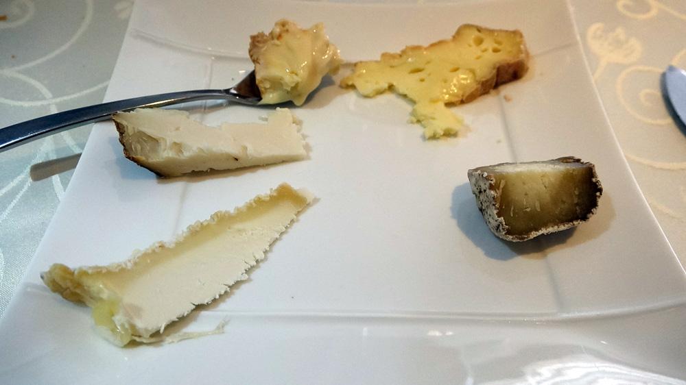 Mon choix de fromages : Tomme de chèvre - Crottin - Pouligny-Saint-Pierre -Livarot - Epoisses