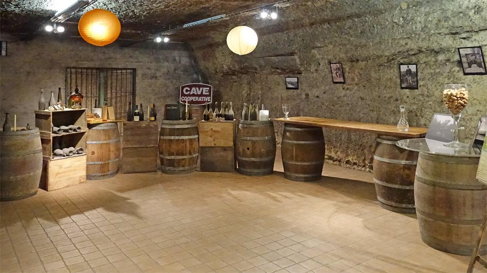 """La salle de dégustation des """"Vieux millésimes"""""""