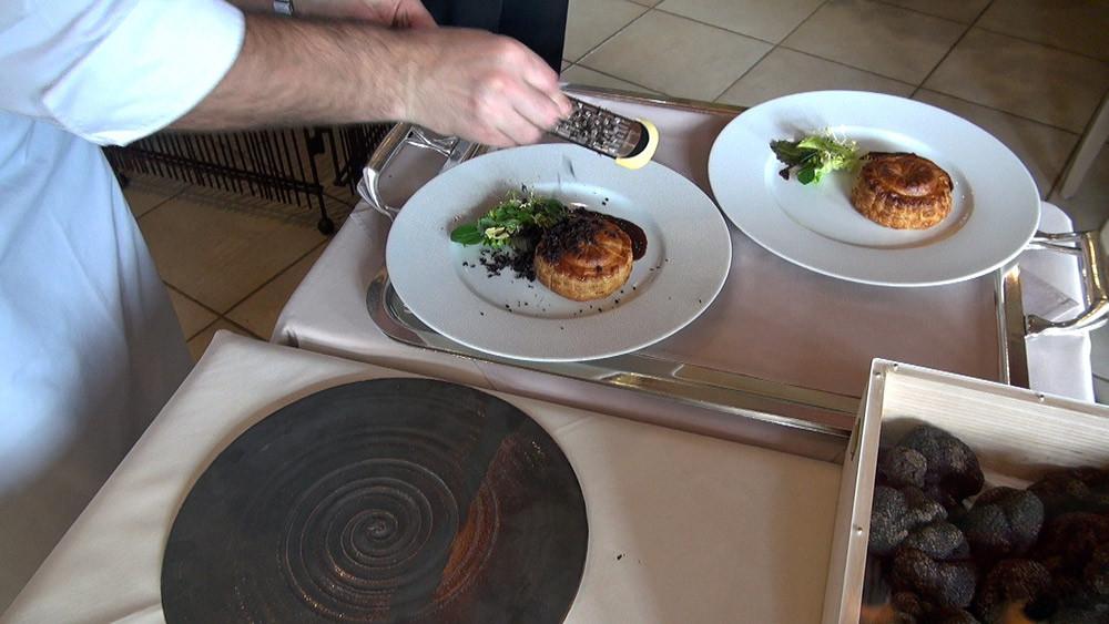 La râpée de truffes sur le Pithiviers