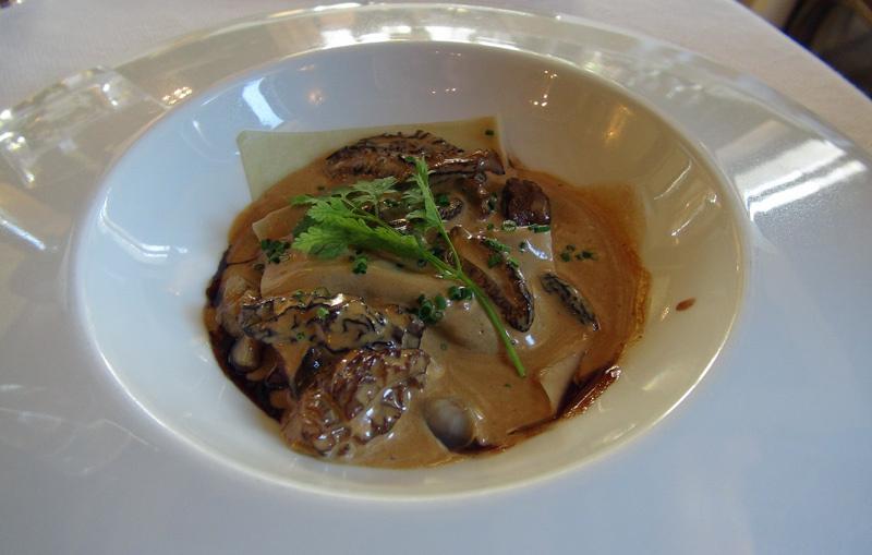 Raviole d'escargots et ris de veau