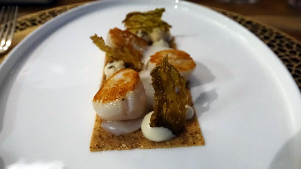 Saint-Jacques, crème d'amandes et choux-fleurs, émulsion végétale