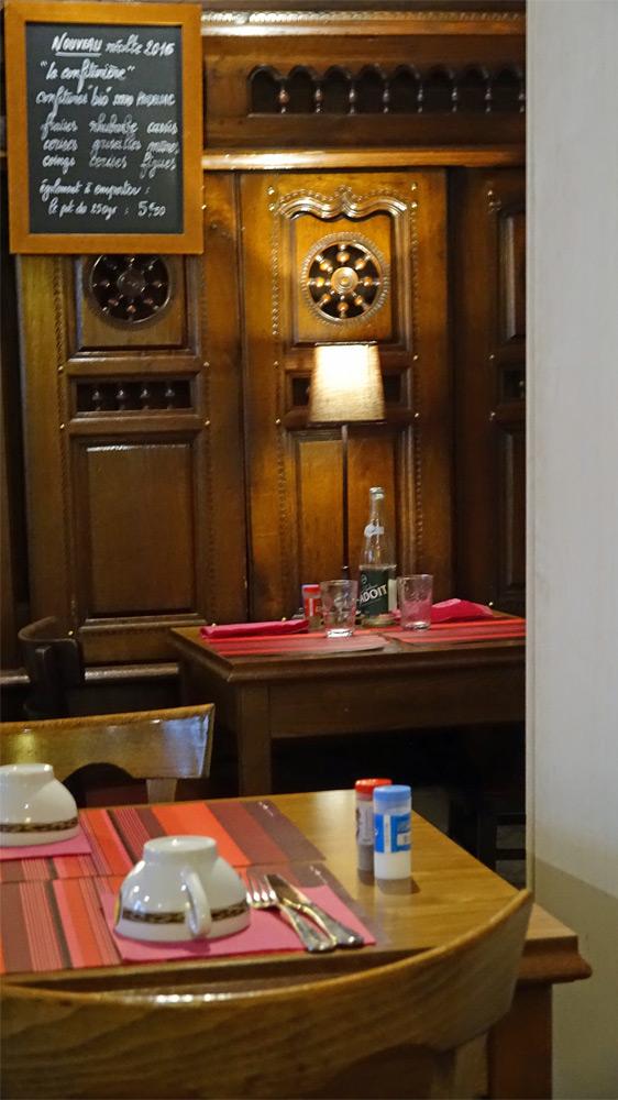 Une vue d'une partie de la salle