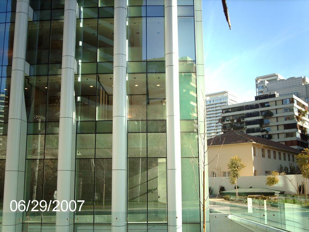 STOPRAY Safir (descontinuado), Edificio BCI, Santiago, Chile