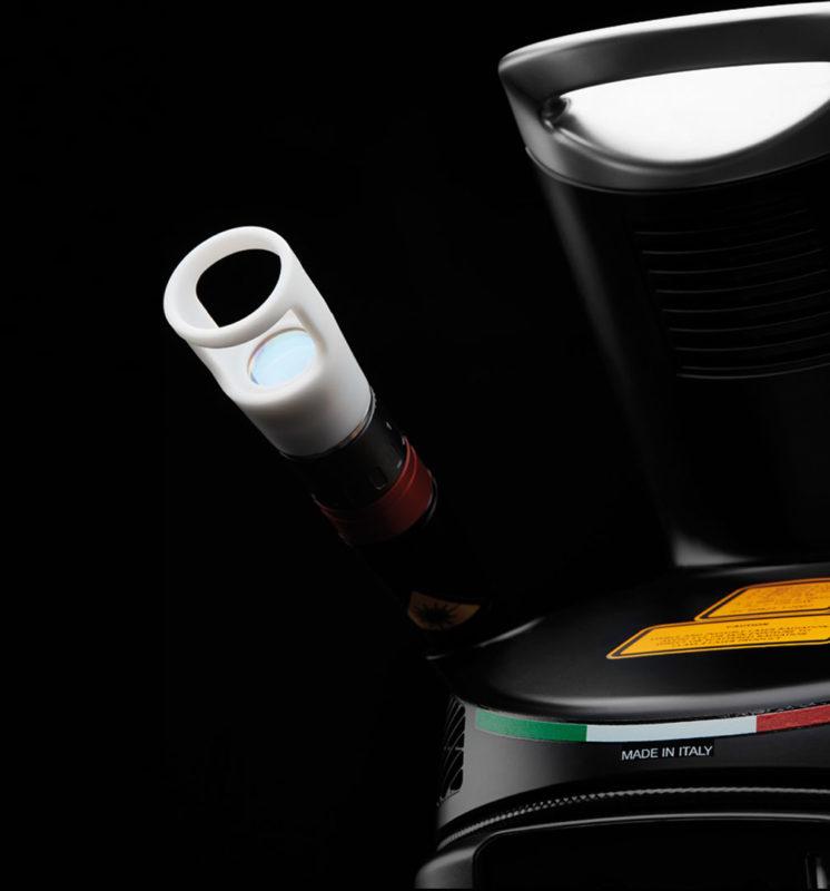 Intelligentes Handstück: Automatische Reduzierung der Leistung bei Überhitzung der Hautoberfläche.