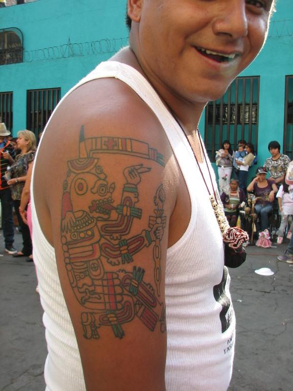 ムエルテのお祭りに来ていた信者さん。アステカの死の神様?