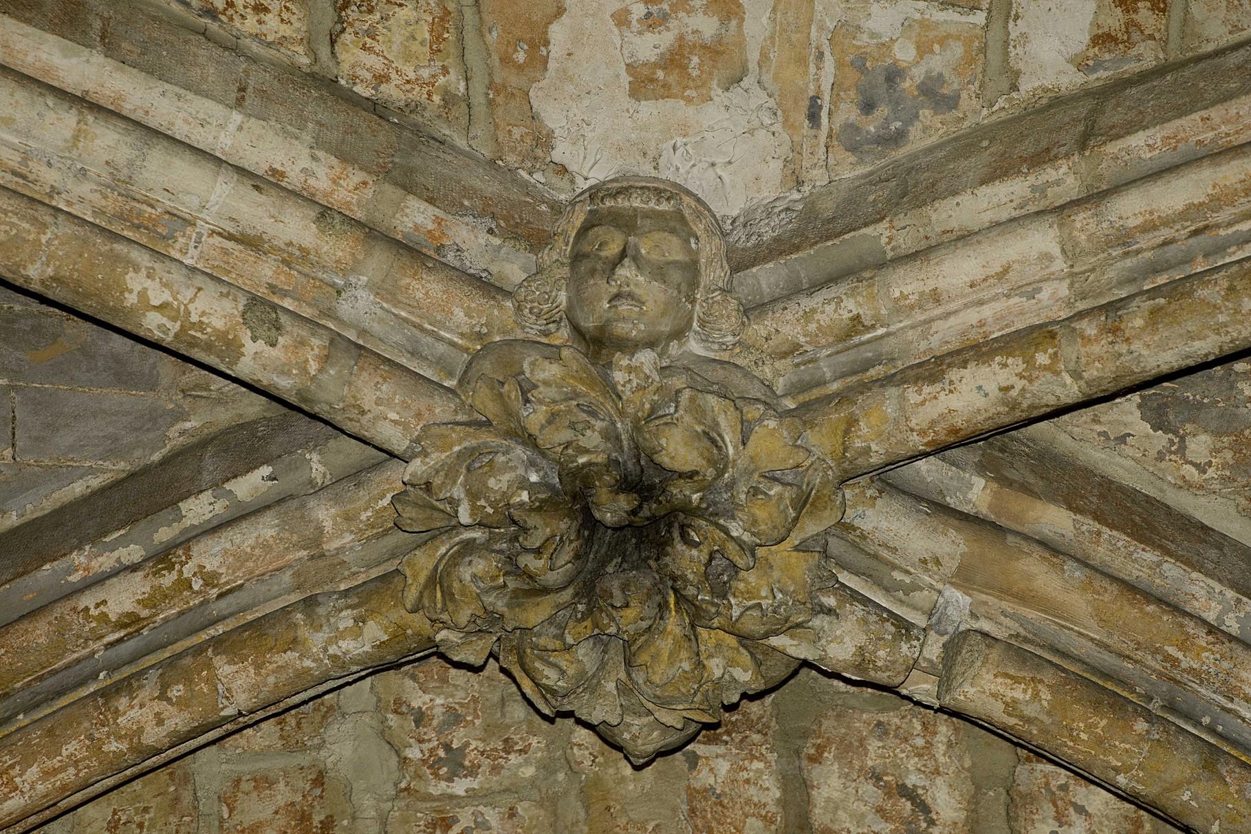 Clé de voûte représentant Robert d'Artois © Musée d'Archéologie nationale - Basile Lippmann