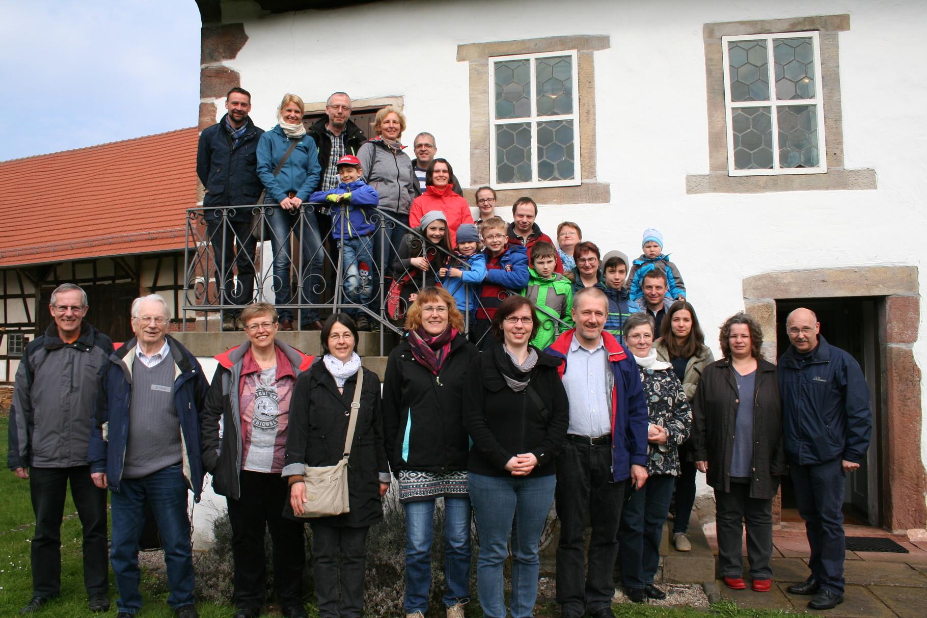 Gruppenbild mit allen Teilnehmer/innen aus Schleusingen und Gießen. // Foto: Scholz