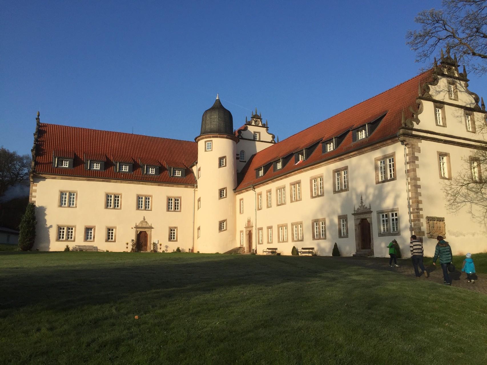 Die Tagungsstätte: Schloss Buchenau bei Bad Hersfeld. // Foto: Gömmer